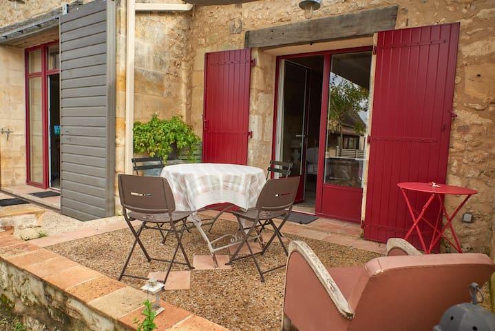 """La Grange de Bernardine""avec piscine"