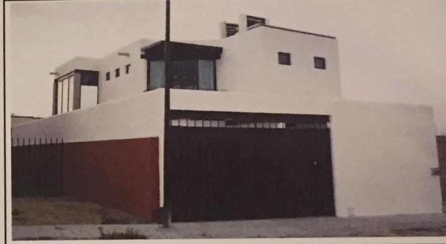 Casa Luz (Minimalist New house)