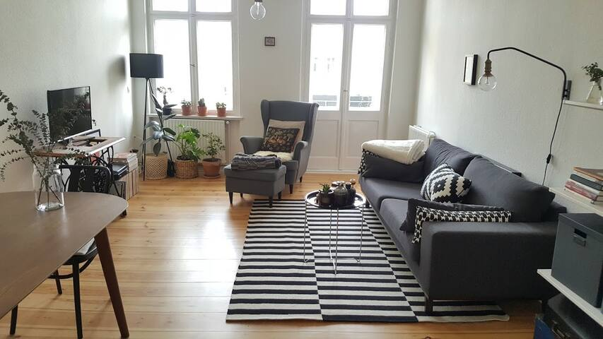 Sunny, big Flat close to Kreuzberg! Quite&Central! - Berlin