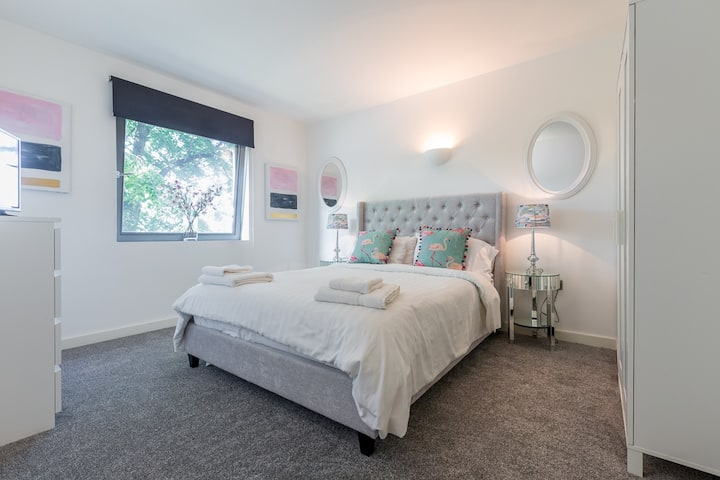 1 Bed Modern apartment Rugby club