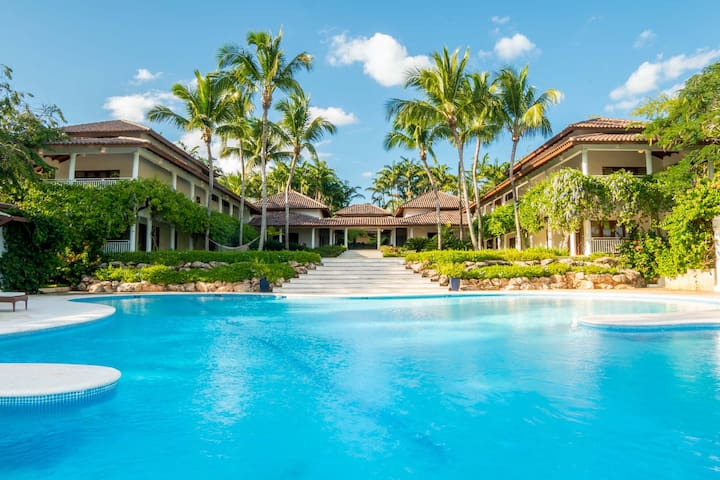 7-Bedroom Ocean and Golf View Palace