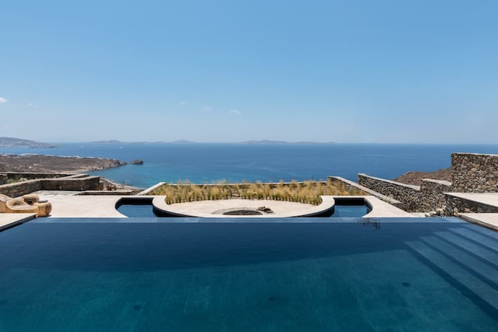 Lion Villa with Private pool,Jacuzzi, Hammam
