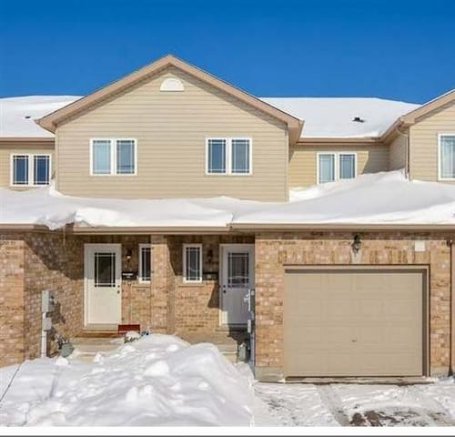 One of 4 bedroom upstairs - Guelph - House