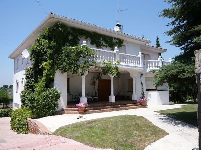 Alojamiento, Villaviciosa, Madrid - Villaviciosa de Odón - Huis