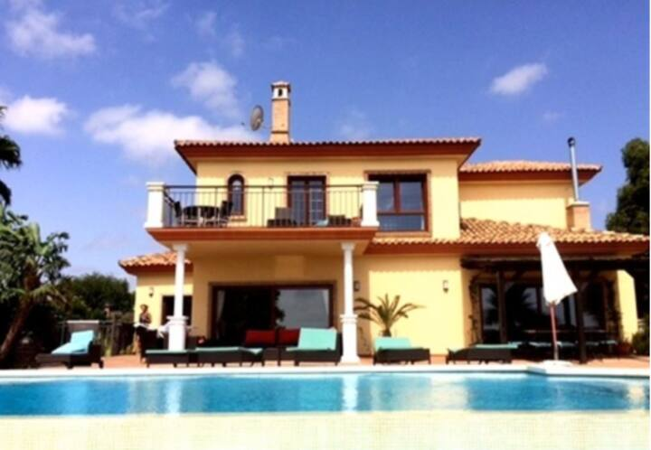 Luxury Villa, amazing sea views near beaches