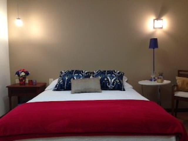 Suíte super confortável e charmosa em Coqueiros! - Florianópolis - House