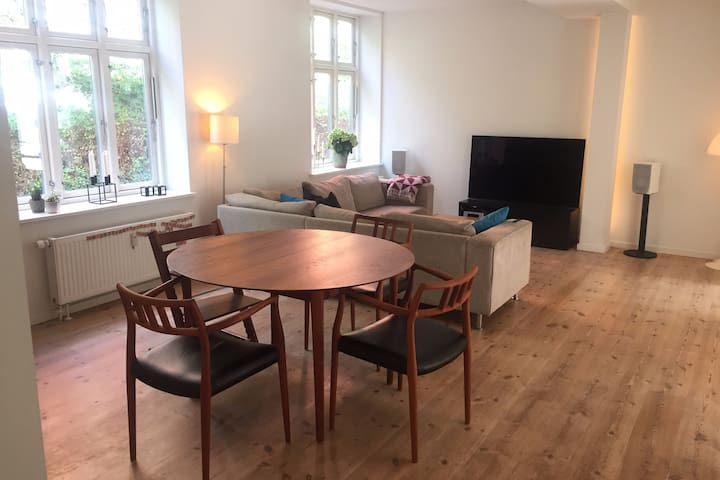 Vesterbro apartment with everything