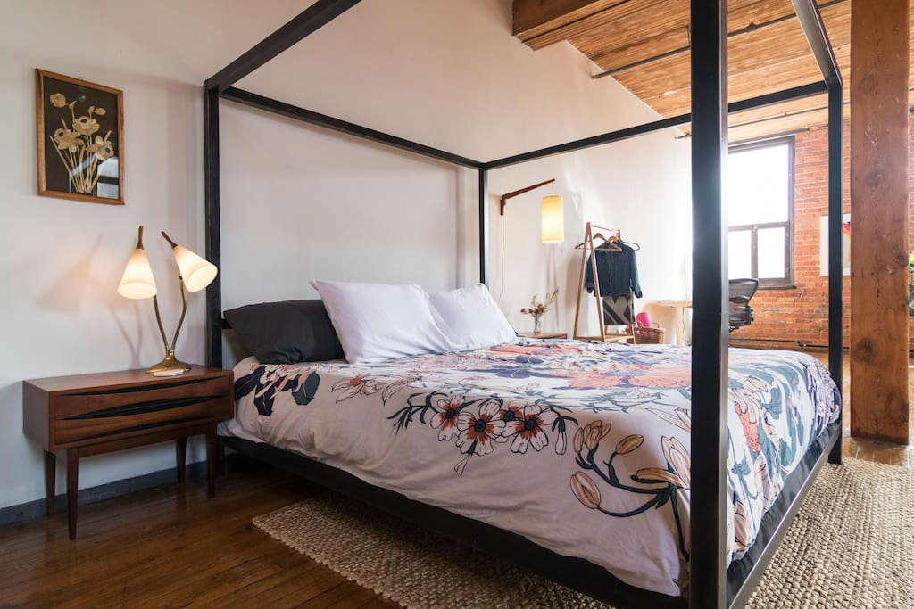 Wake up with the sunshine in the middle of the loft.