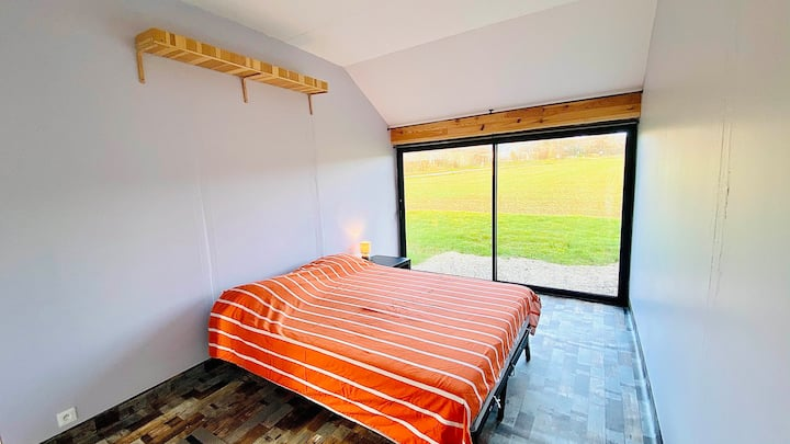 Independant Suite w/ bathroom in the countryside