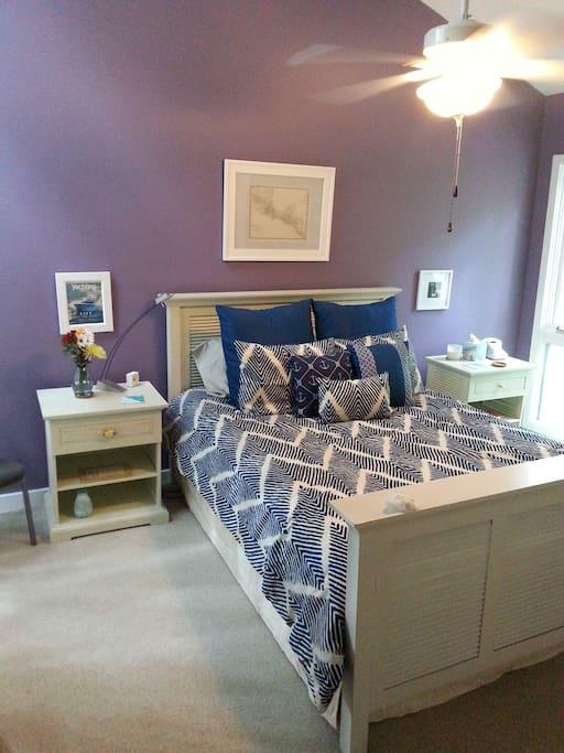 The Florida Room (w/Summer comforter).