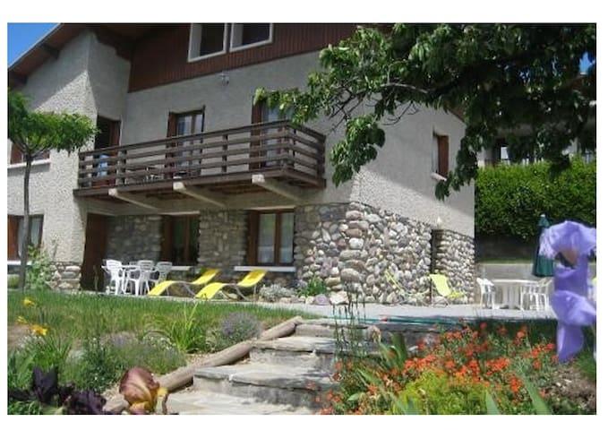 rez de jardin avec vue sur montagne - Guillestre - Leilighet