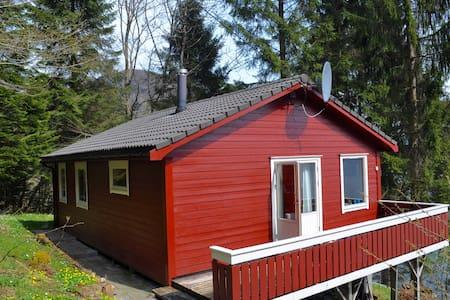 Hytte ved Hardangerfjorden - Furhovde - Kabin