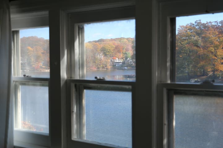 Cozy Relaxing Lake Front Retreat - Hopatcong - Hus