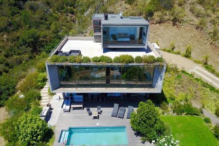 Modern House Seaview 100%