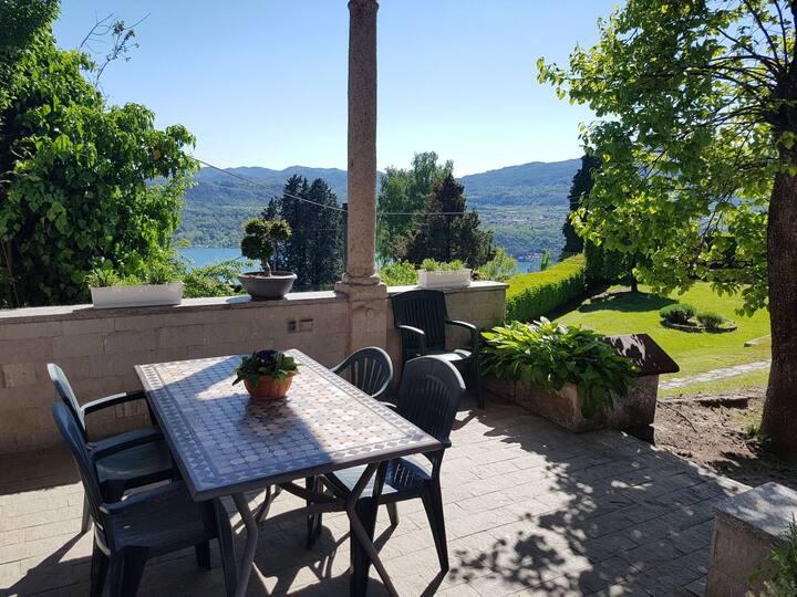 In Villa Le Vignole, appartamento top Coociu