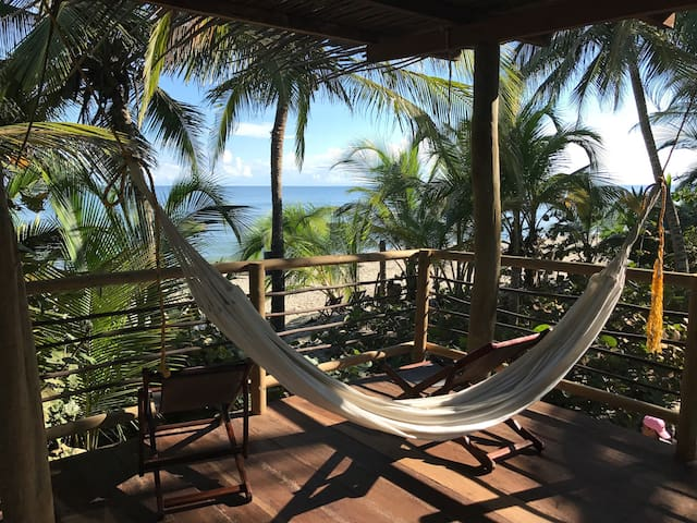 Naturaleza con Playa Pikua Ecolodge