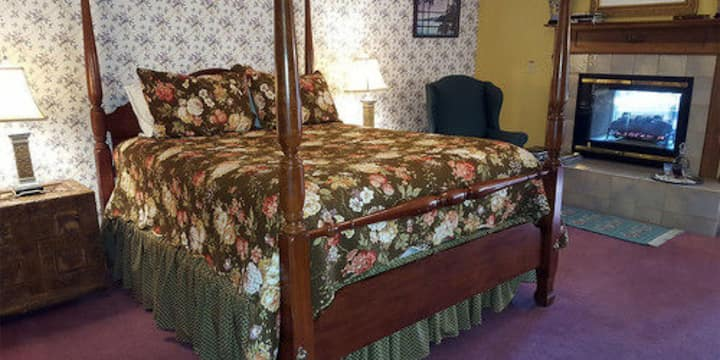 Emily Bronte Suite By The Lake