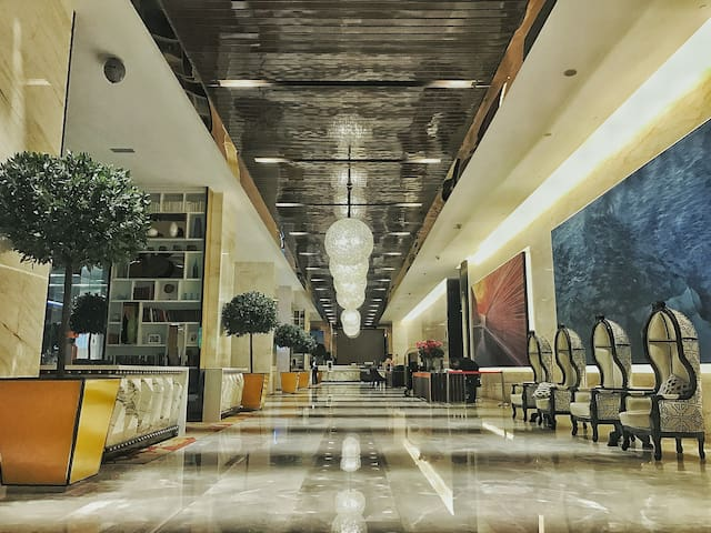 Grand lobby with 24 hours receptionist and security