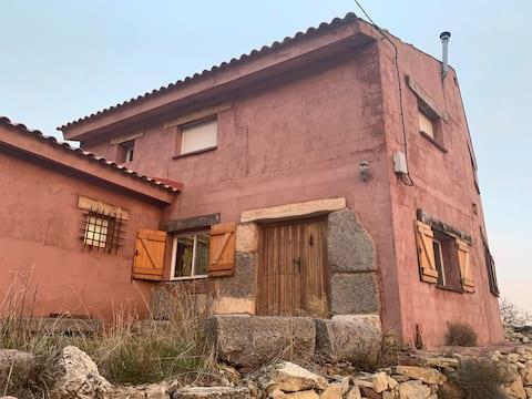 카사 라스 페냐스: 알바라신 인근의 시골 스타일의 집