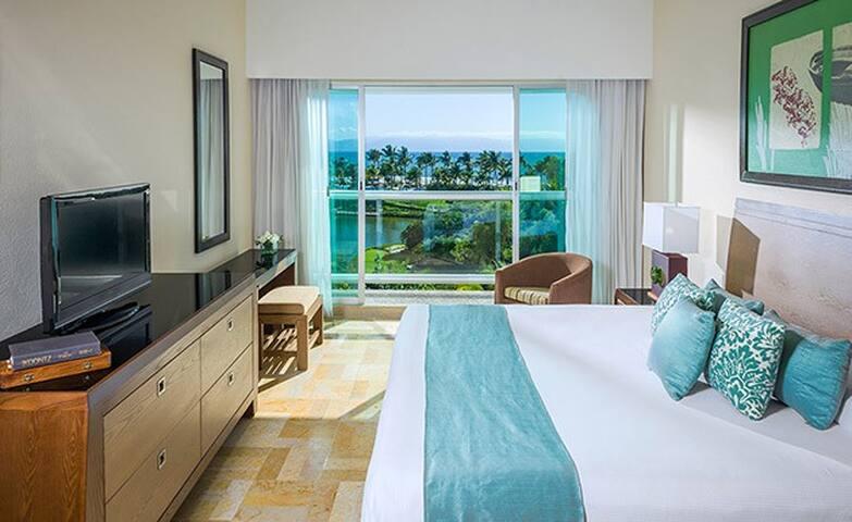 Room in Paradise ***Master Room Mayan Palace***