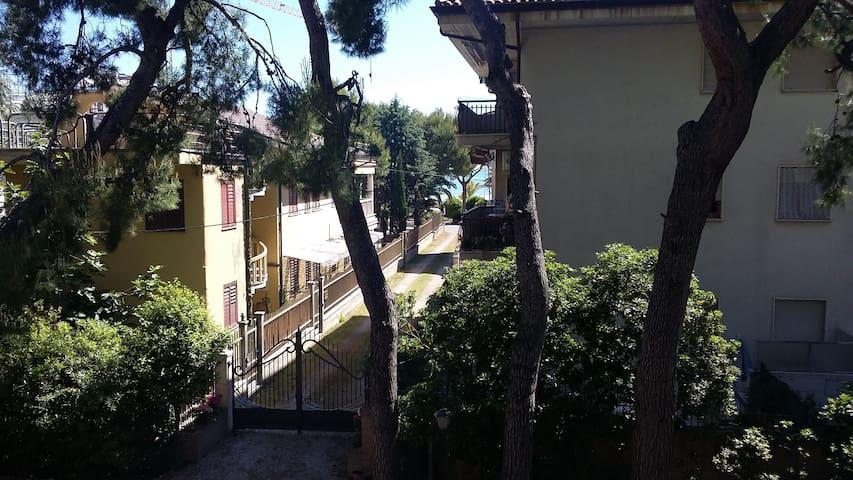 Villa con accesso privato al mare.. - Tortoreto Lido - Villa