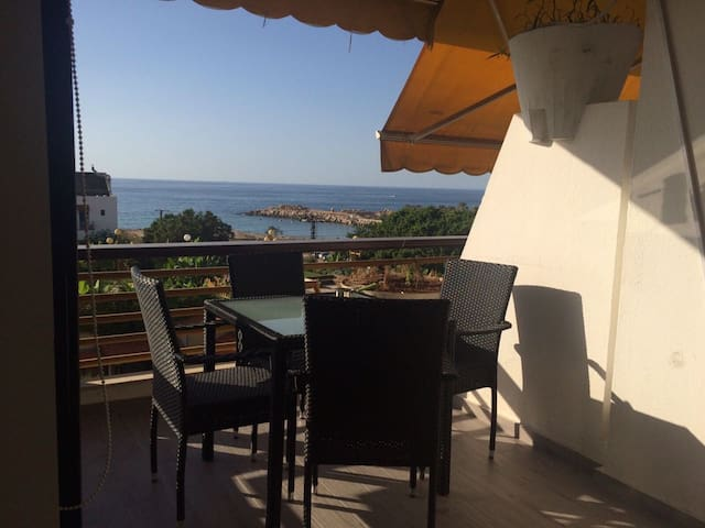 Chalet by the beach in Solemar, Kaslik - Jounieh - Flat