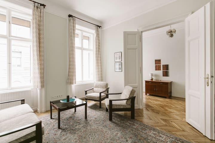 Stylish, quiet and central Budapest apartment - Budapeste - Apartamento