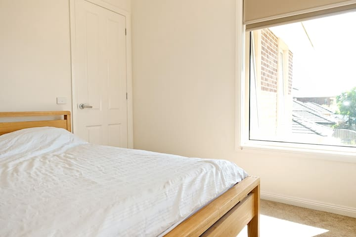 Private room & top quality mattress in a new house
