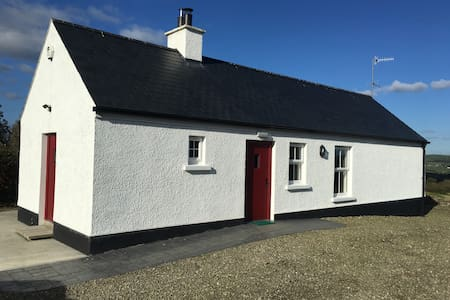 Derg Cottage - Clady - Apartment