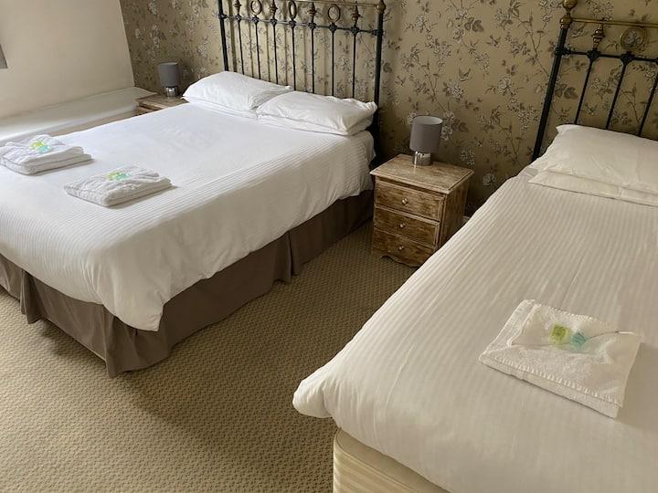 Triple Room | The Fountain Inn