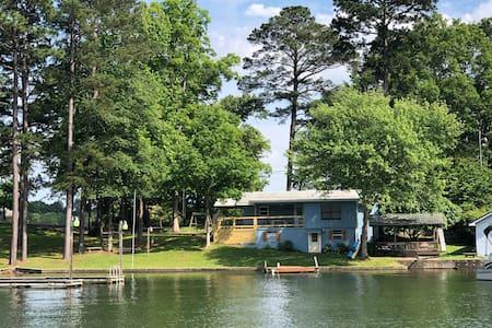 Dockside on Bay Pine Island