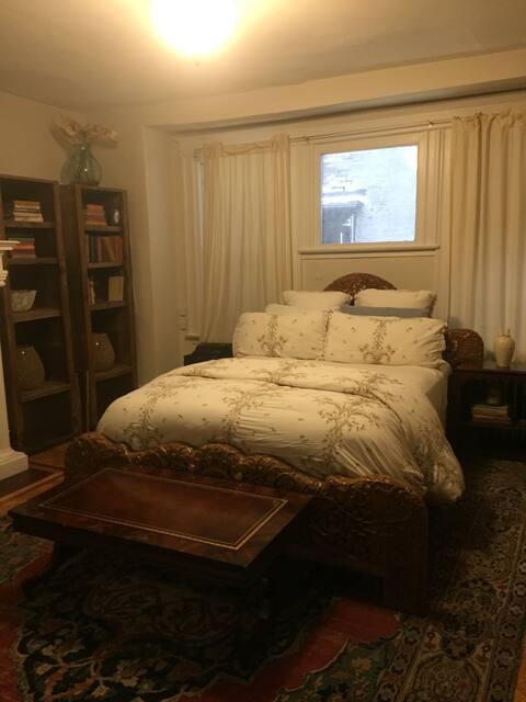 Beautiful + Spacious Rittenhouse One Bedroom