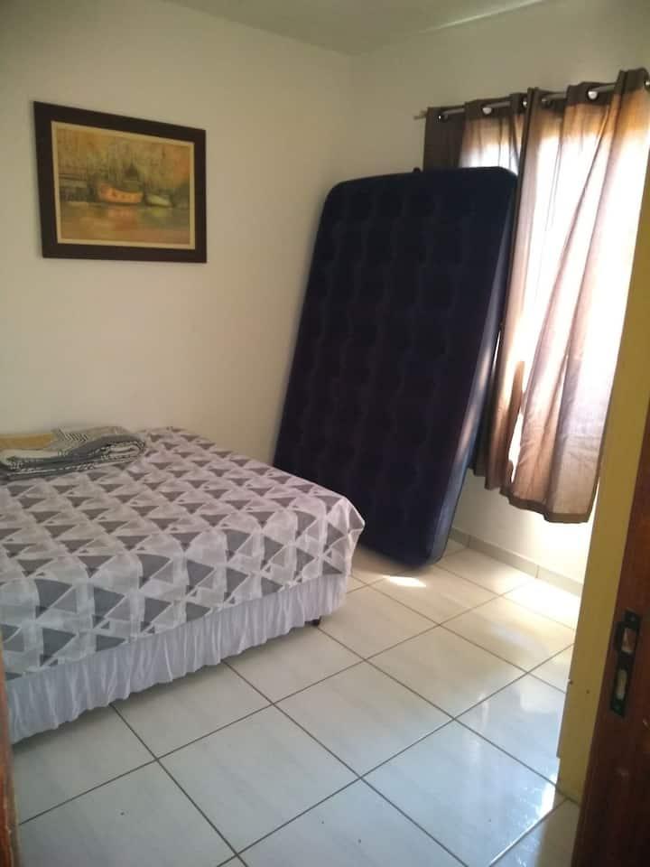 Casa de 1 quarto, Cabo Frio. Praia 3 minutos a pé.