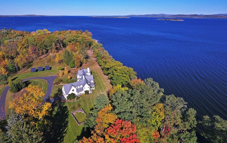 Regal 4BR South Hero House on Lake Champlain - South Hero - บ้าน