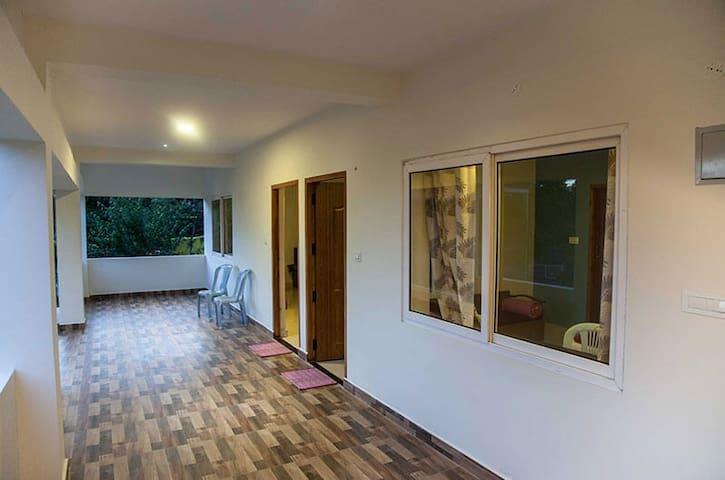 Hill Drive Guest House/Valparai