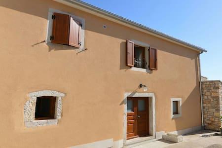 Stone house BERAM in Istria - Beram