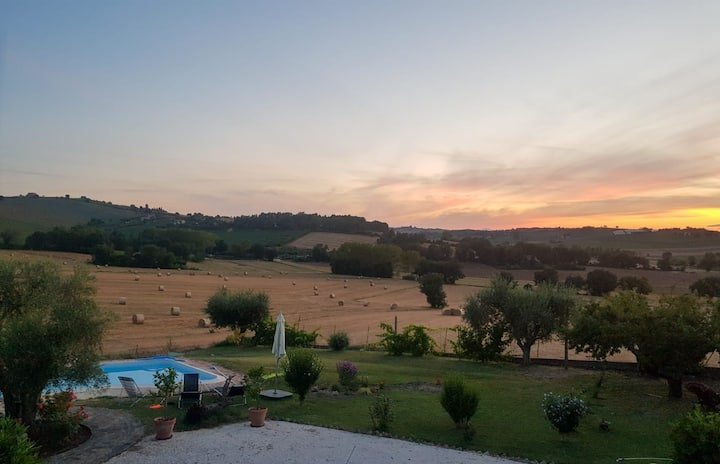 Rustic country house near Recanati with pool