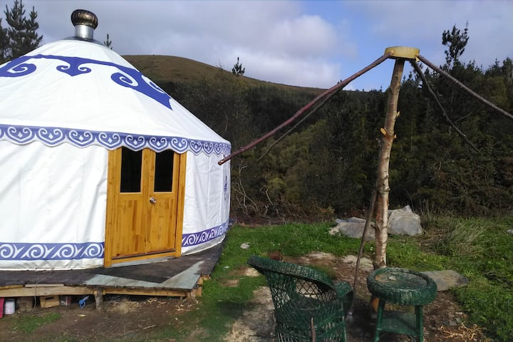 Secret floW Mountain Resort - Off-Grid Eco-Yurt