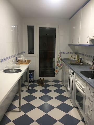 2 Habitaciones amplias con baño privado. - Rivas-Vaciamadrid - Casa