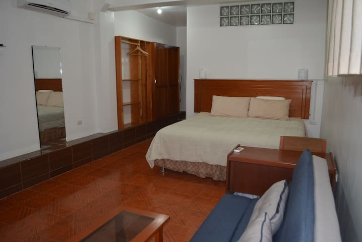 Amazing Tarapoto, Air, Wifi, Views, Hot Water!