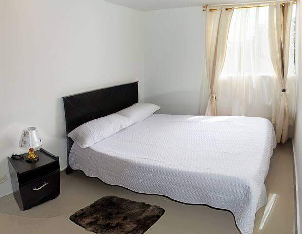 Habitación sencilla 1/ Single bedroom 1