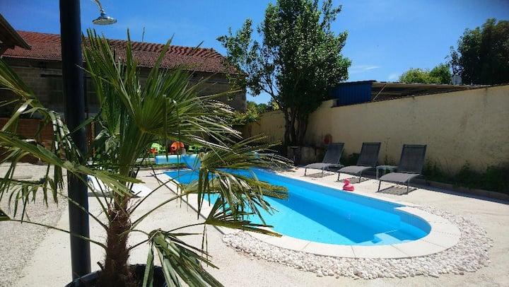 Chambre Georges piscine & jacuzzi & sauna