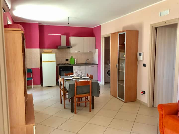 Charming Apartment Trilocale Lido di Gallipoli with Air Conditioning & Terrace; Parking Available, Pets Allowed