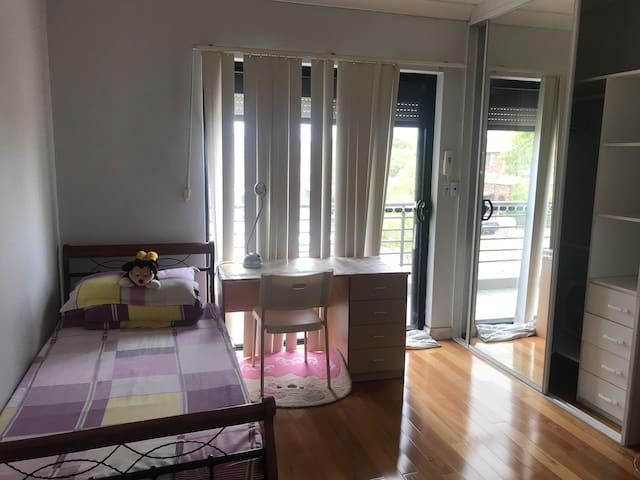 温馨舒适惬意之家