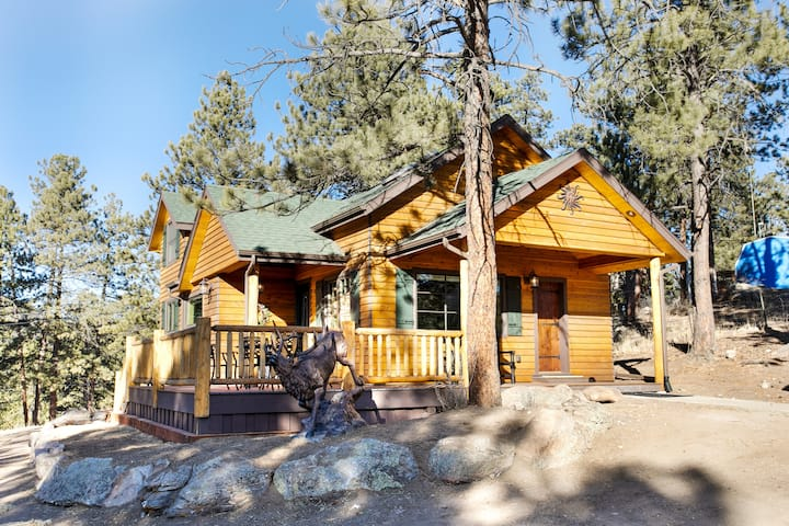 Ponderosa Mountain Home- 3br newly remodeled!