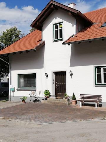 Ferienwohnung/App. für 6 Gäste mit 136m² in Waal (146519)