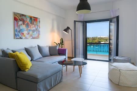 Footsteps to the beach! - Agios Nikolaos