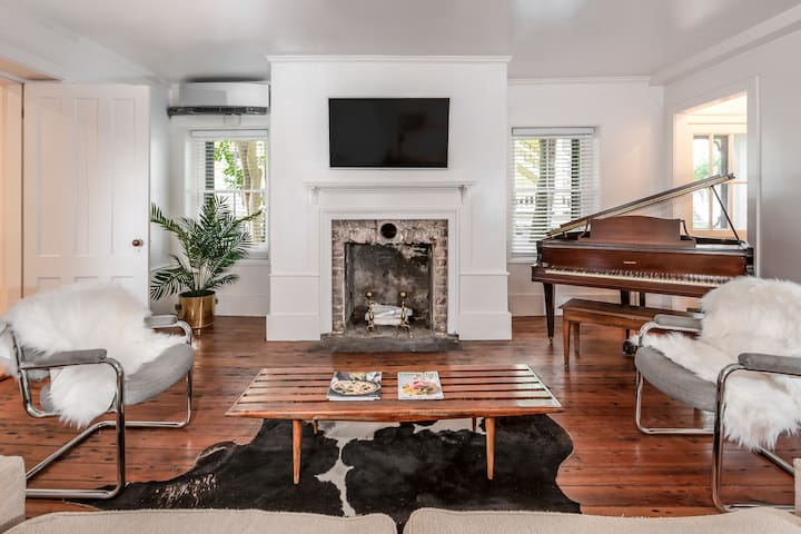 Gorgeous Historic 1BR Apt in the ❤️  of Charleston