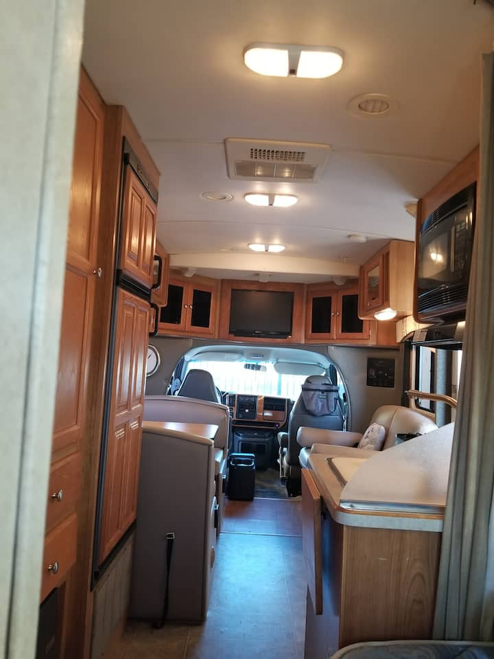 Self-contained Motorhome~Negotiated Location