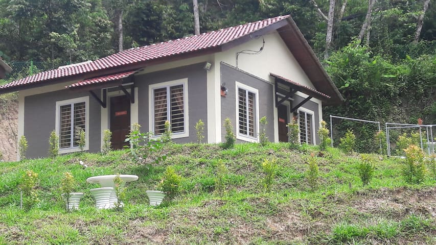 Eco Berembun Resort @ Ulu Bendul Chalet No 3 - Kuala Pilah - Nature lodge